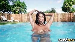BrownBunnies Sarai Minx Sexy Ebony Fucks By The Pool